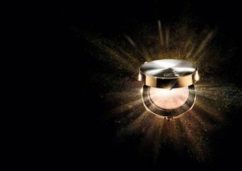 雅詩蘭黛 - 旗下首款頂級保養氣墊粉餅 注入珍稀白金抗老精華 速效深層保養 肌膚散發宛若天生紅潤光透感