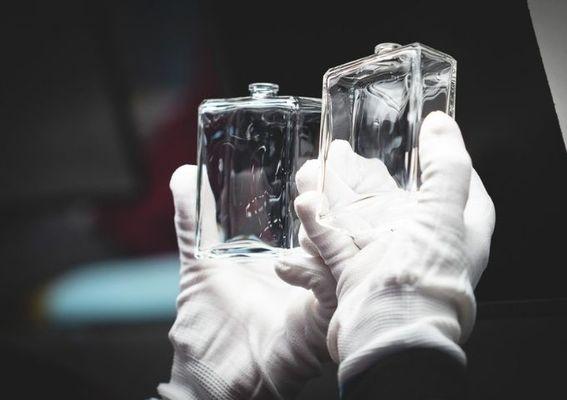 CHANEL 香奈兒 - 香奈兒與 GROUP POCHET 攜手,以專業工藝打造頂級回收再生玻璃