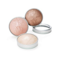 雪花飄飄完妝蜜粉 illuminating finishing powder