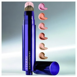 專業完美粉底刷 Light-Expert Perfecting Foundation Brush